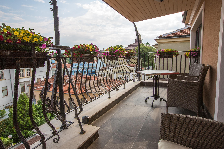 A4_terrace_view